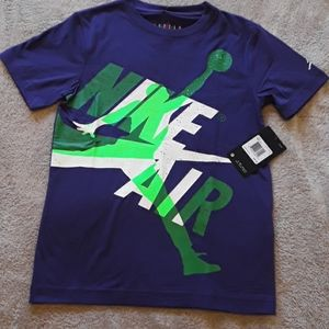 NWT  Nike Air Jordan T Shirt.  Size small.